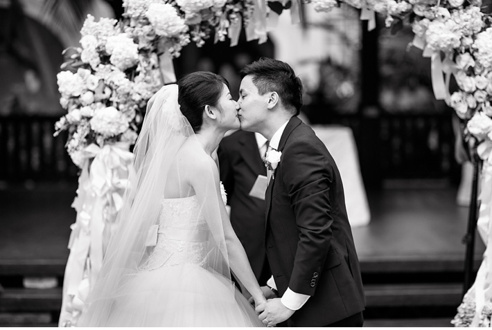 Destination_Wedding_Photographer_Singapore_Wedding_At_Raffles_Hotel_Catherine_Mac_Photography_International_Wedding_Photographer_18
