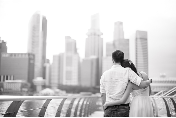 Singapore_Engagement_Shoot_Prenup_Photoshoot_Marina_Bay_Sands_Promenade_Catherine_Mac_Photography_Destination_Wedding_Photographer_10