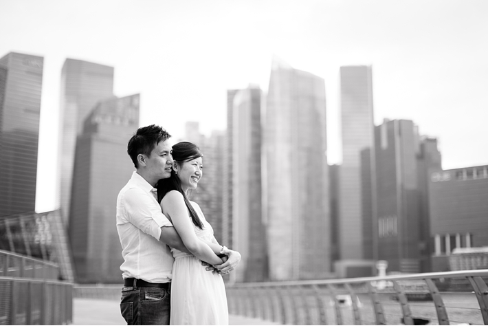 Singapore_Engagement_Shoot_Prenup_Photoshoot_Marina_Bay_Sands_Promenade_Catherine_Mac_Photography_Destination_Wedding_Photographer_2