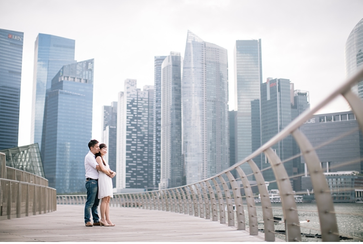 Singapore_Engagement_Shoot_Prenup_Photoshoot_Marina_Bay_Sands_Promenade_Catherine_Mac_Photography_Destination_Wedding_Photographer_5